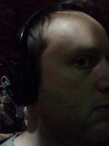 Mit Kopfhörern auf der Silent-Party